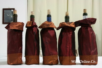 2008年10月12日万欧兰葡萄酒俱乐部品酒会系列34,品尝互动系列C-新旧世界(续) Old vs. New World Wine Tasting (continued) – WINEONLINE WINE CLUB
