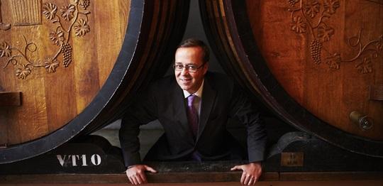 Frederic Rouzaud, PDG de Champagne Louis Roederer, dans les caves viticulture