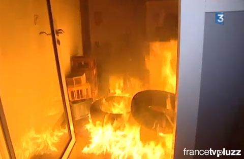 法国激进组织纵火烧毁酒厂
